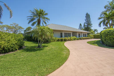 Vero Beach Single Family Home Contingent: 60 Cache Cay Drive
