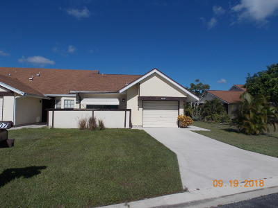 Port Saint Lucie Single Family Home For Sale: 1407 SE Larkwood Circle