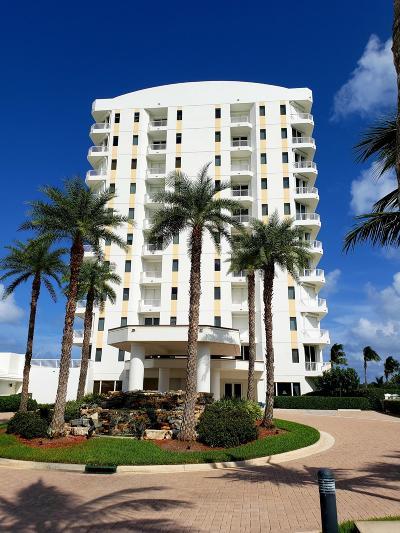 Jensen Beach Condo For Sale: 10072 S Ocean Drive #10 South