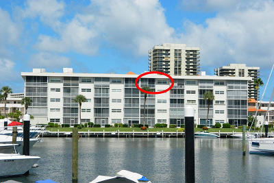 North Palm Beach Condo For Sale: 21 Yacht Club Drive #504