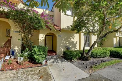 Boca Raton Townhouse For Sale: 5817 Fox Hollow Drive #G
