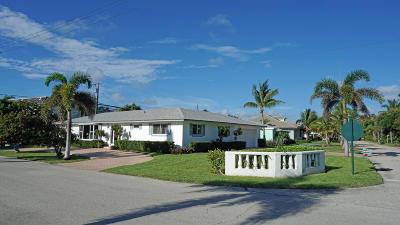 Palm Beach Shores Single Family Home For Sale: 200 Linda Lane