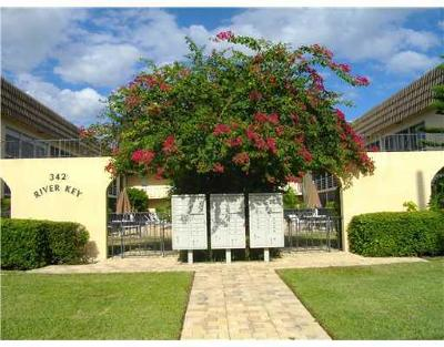 North Palm Beach Condo For Sale: 342 Southwind Drive #120