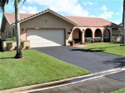 Coral Springs Single Family Home For Sale: 8239 Shadow Wood Boulevard