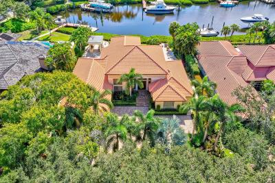Admirals Cove, Admirals Cove 2 Par A, Admirals Cove 2 Par E, Admirals Cove Par E, Admirals Cove-Waterside Condo Single Family Home For Sale: 143 Commodore Drive