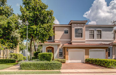 Delray Beach Townhouse For Sale: 227 W Chrystie Circle