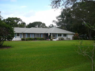 Fort Pierce Single Family Home For Sale: 202 Jeffrey Lane