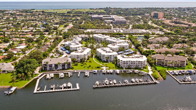 Juno Beach Condo For Sale: 441 Bay Colony Drive