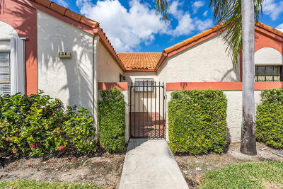 Deerfield Beach Single Family Home For Sale: 136 Centennial Court