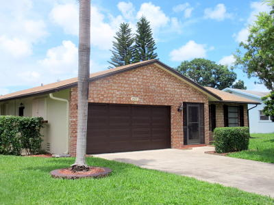 Deerfield Beach Single Family Home For Sale: 2673 SW 14 Court
