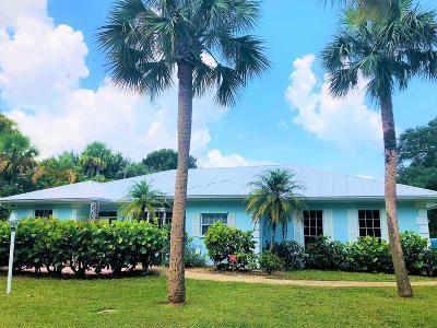 Vero Beach Single Family Home For Sale: 745 Flamevine Lane