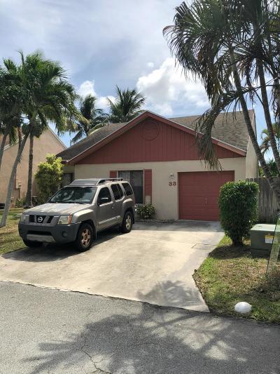 Boynton Beach Single Family Home For Sale: 33 Peachtree Place