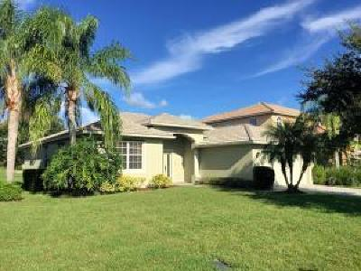 Port Saint Lucie Single Family Home For Sale: 590 NW Waverly Circle NW