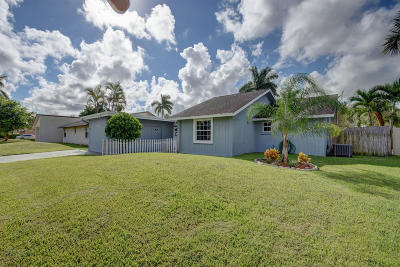 Royal Palm Beach Single Family Home For Sale: 10428 Pippin Lane