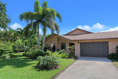 Hobe Sound Single Family Home Contingent: 8600 SE Eaglewood Way #8600