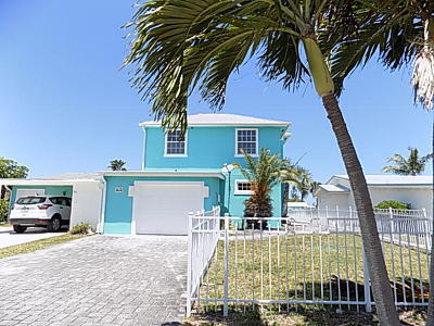 Jensen Beach Single Family Home For Sale: 94 Aqua Ra Drive
