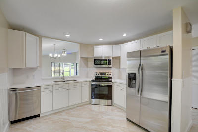 Hobe Sound Single Family Home For Sale: 6797 SE Yorktown Drive