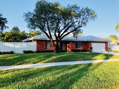 Plantation Single Family Home For Sale: 851 E Plantation Circle
