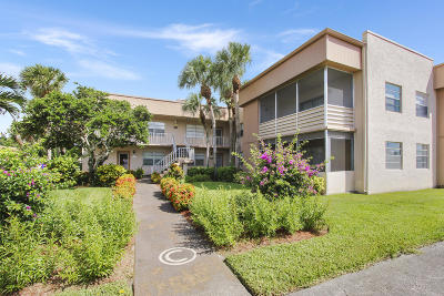 Delray Beach Condo For Sale: 99 Flanders #C