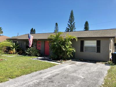 Hobe Sound Multi Family Home For Sale: 8352 SE Sunset Street