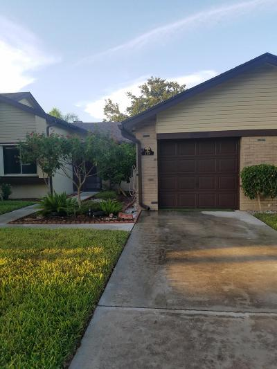 Royal Palm Beach Single Family Home Contingent: 119 Ramblewood Circle