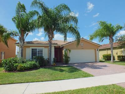 Port Saint Lucie Single Family Home For Sale: 2090 SW Newport Isles Boulevard SW