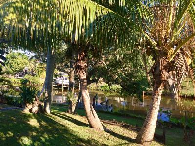 Port Saint Lucie Single Family Home For Sale: 158 NE Surfside Avenue