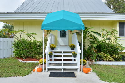 Jensen Beach Single Family Home For Sale: 1396 NE Waveland Avenue