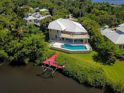 Stuart Single Family Home For Sale: 1424 NW Coconut Point Lane