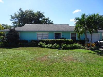Jensen Beach Single Family Home For Sale: 808 NE Maranta Terrado
