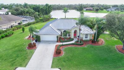 Martin County Single Family Home For Sale: 864 SE Waterside Way