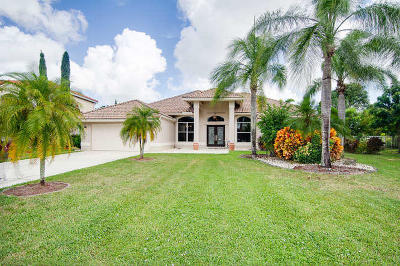 Lake Worth Single Family Home For Sale: 5609 Lake Shore Village Circle