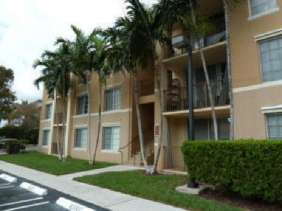 Boynton Beach Single Family Home For Sale: 107 Villa Circle #107