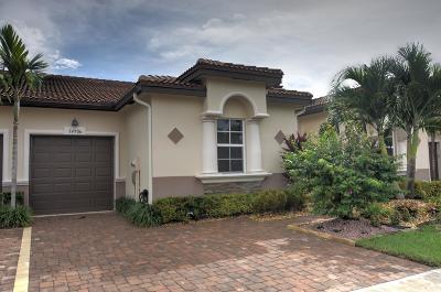 Delray Beach Single Family Home For Sale: 14906 Via Porta