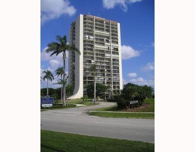 West Palm Beach Condo For Sale: 2000 Presidential Way #1103