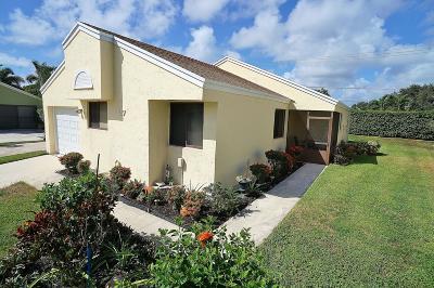 Boynton Beach Single Family Home For Sale: 27 Hawthorne Lane