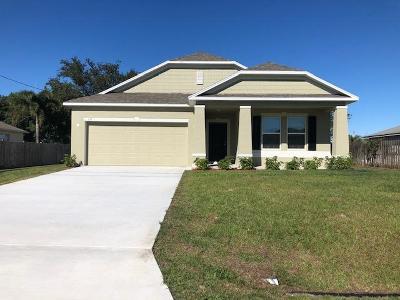 Port Saint Lucie Single Family Home For Sale: 611 SW McCullough Avenue