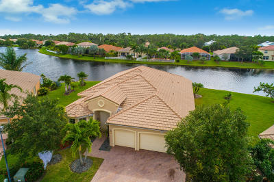 Martin County Single Family Home For Sale: 1264 SE Illusion Isle Way