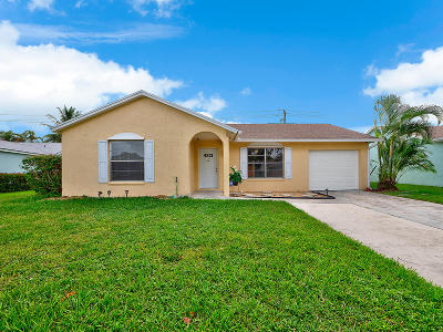 Jupiter Single Family Home For Sale: 124 Banyan Circle