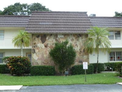 Royal Palm Beach Condo For Sale: 12003 Poinciana Boulevard #203
