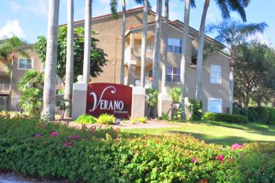 Delray Beach Condo For Sale: 1705 Palm Cove Boulevard #1-307