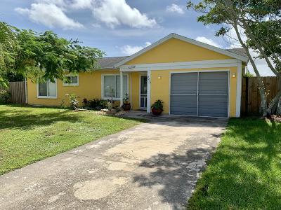 Port Saint Lucie Single Family Home Contingent: 2218 SE East Dunbrooke Circle