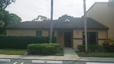Royal Palm Beach Condo For Sale: 201 Lakeview Drive E