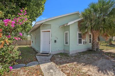 Boynton Beach Single Family Home For Sale: 304 S Seacrest Boulevard