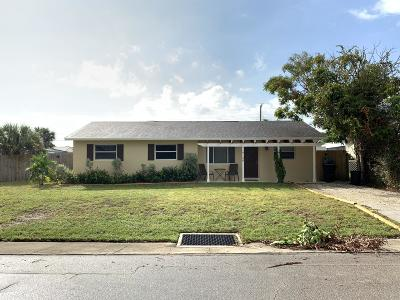 Tequesta Single Family Home For Sale: 19126 SE Mayo Drive
