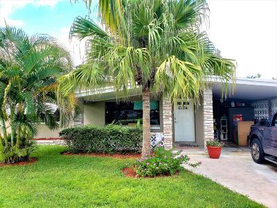 Port Saint Lucie Single Family Home For Sale: 106 SE Camino Street