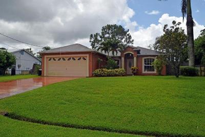 Port Saint Lucie Single Family Home For Sale: 242 SW Janice Avenue