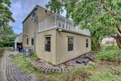 Lake Worth Single Family Home For Sale: 831 A Street