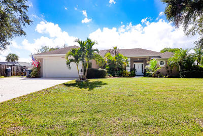 Palm City Single Family Home For Sale: 1040 SW Gardens Boulevard