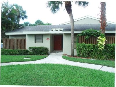 Boynton Beach Single Family Home For Sale: 311 Meadows Drive